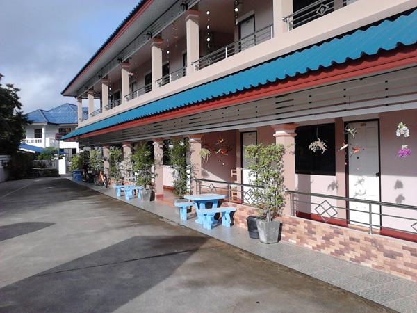 Гостиница в Нане