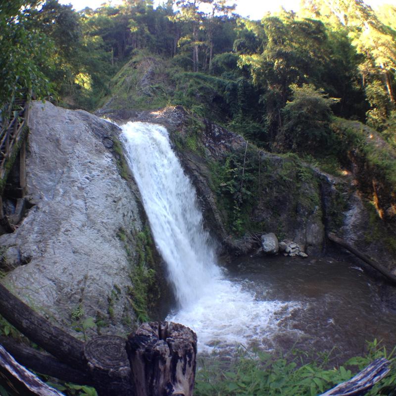 Водопад Чианг май